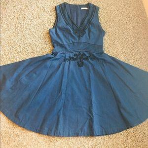 Badgley Mischka Blue V-Neck Flare Cocktail Dress.